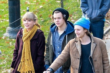 Taylor Swift Harry Styles Taylor Swift and Harry Styles Together in Central Park