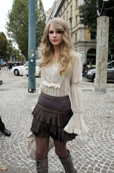 Taylor Swift Guests arriving for the Roberto Cavalli Spring/Summer 2011 women's collection during Milan Fashion Week.