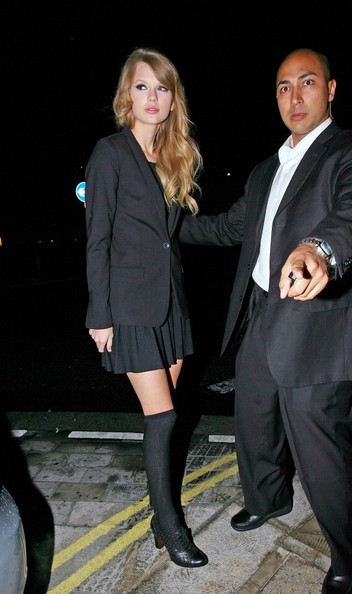 Taylor Swift American singing sensation Taylor Swift is seen arriving at the uber exclusive Nobu restaurant in Mayfair.