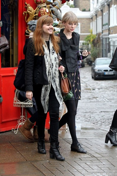 Taylor Swift Taylor Swift Photos Taylor Swift Shops In London Zimbio