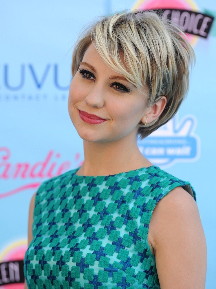 chelsea kane photos photos arrivals at the teen choice. Black Bedroom Furniture Sets. Home Design Ideas
