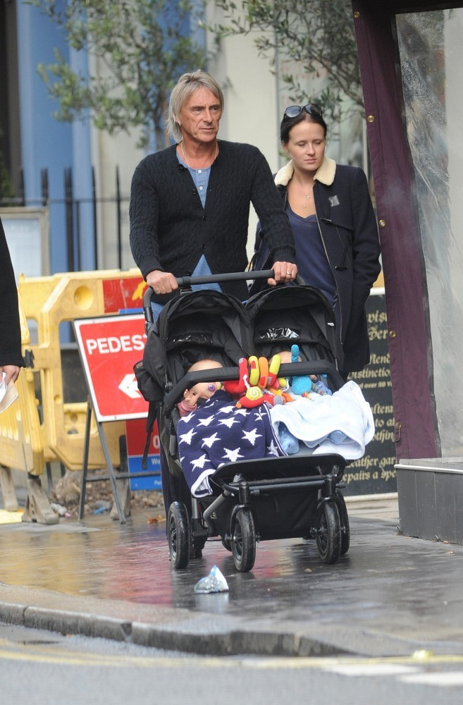 X Out Reviews >> Paul Weller and Hannah Andrews Photos Photos - Paul Weller and Family Out and About - Zimbio