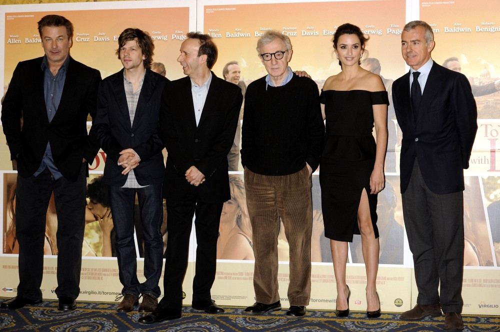 ¿Cuánto mide Woody Allen? - Real height - Página 2 To+Rome+photocall+in+Italy+JH7a4tKlfe-x
