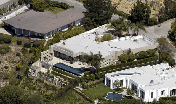 Tobey Maguire villa in HOLLYWOOD HILLS