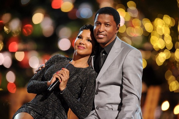 Toni Braxton - The Grove's Christmas Tree Lighting Spectacular