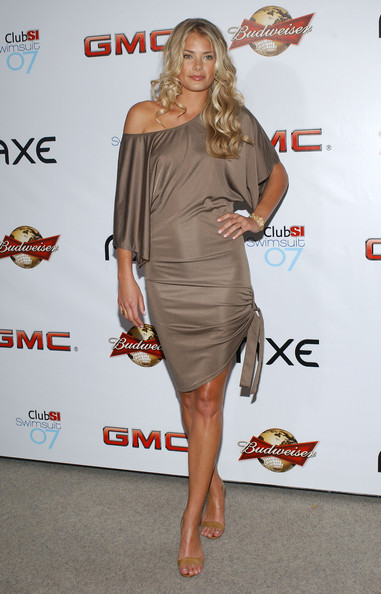 2007 Sports Illustrated Swimsuit Issue Party []