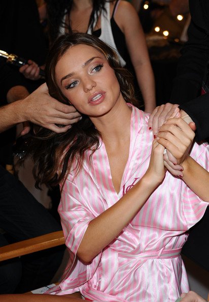 miranda kerr hair color. miranda kerr hairstyles. kerr