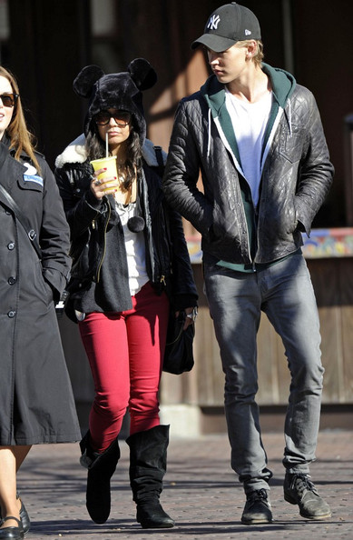Vanessa Hudgens - Vanessa Hudgens and Austin Butler at Disneyland