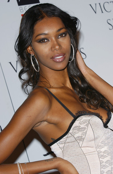 "Jessica White in Victoria's Secret ""What is Sexy"" party ... Gwyneth Paltrow Goop"