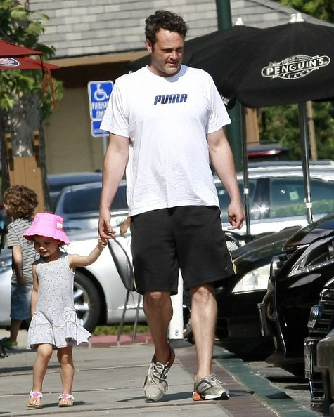 Vince Vaughn Out with His Daughter - Zimbio