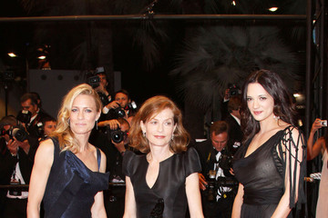 """Isabelle Huppert Robin Wright """"Vincere"""" premieres at Cannes"""