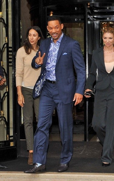 Will Smith Pictures Will Smith Greets Fans In Paris Zimbio