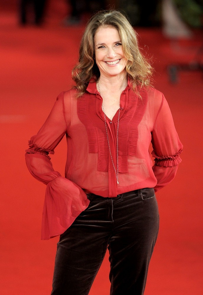 Debra Winger on the Red Carpet - Zimbio