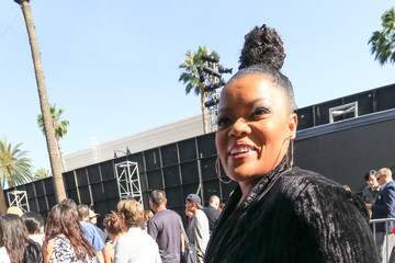 Yvette Nicole Brown Yvette Nicole Brown Outside 'Solo: A Star Wars Story' Premiere at Dolby Theatre
