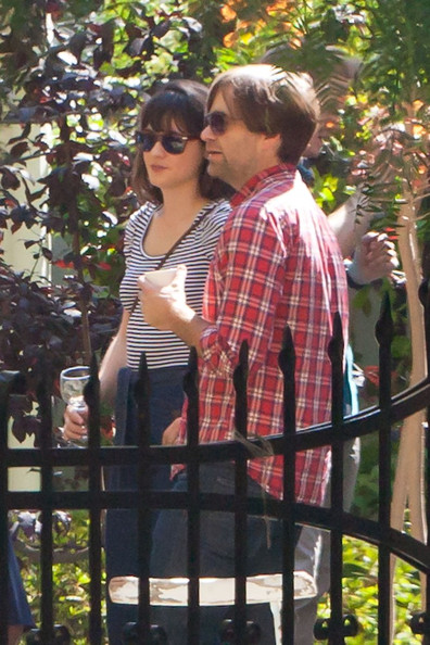 Zooey Deschanel and Ben Gibbard Photos - Emily Deschanel and David ... Zooey Deschanel And Ben Gibbard Wedding