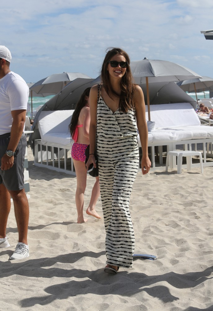emily di donato looks great at miami beach