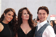 Elizabeth Reaser and Jackson Rathbone Photos Photo