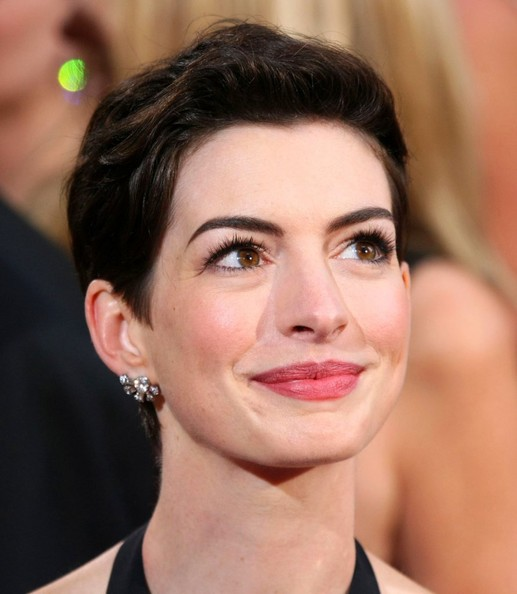 Anne Hathaway Movies On Netflix: Anne Hathaway In Hairstyles At The 86th Annual Academy