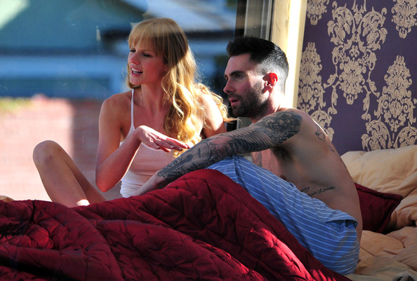 Image of: Fandom Adam Levine And Anne Vyalitsyna Filming Maroon Video In Santa Monica Zimbio Adam Levine Photos Photos Adam Levine And Anne Vyalitsyna Filming