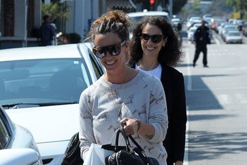Alanis Morissette Alanis Morissette Lunching With A Friend