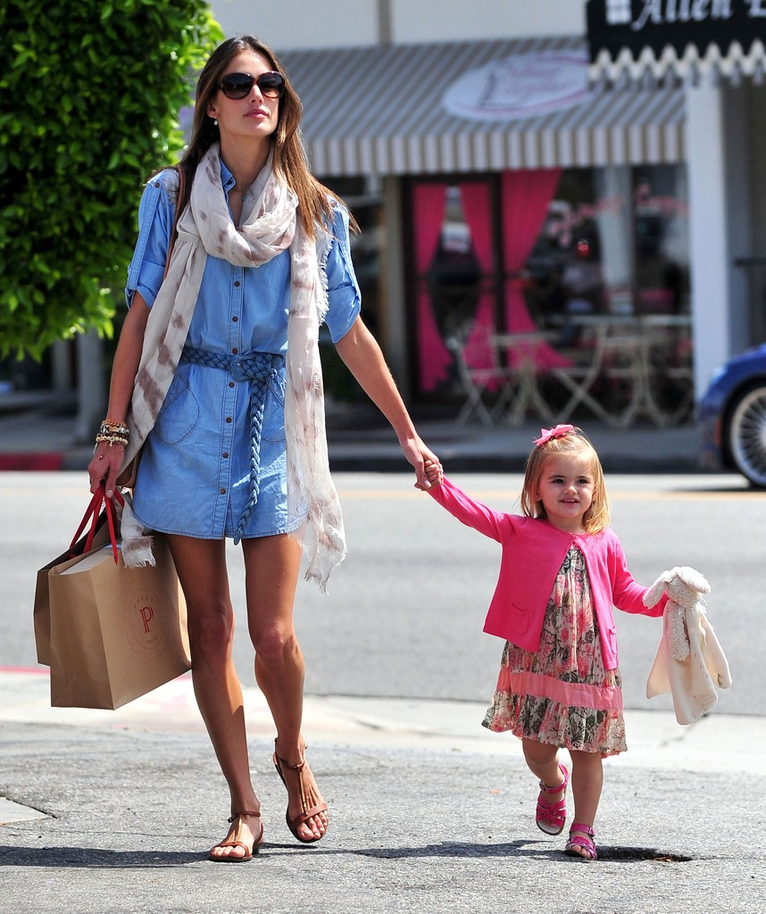 Supermodel Alessandra Ambrosio and her daughter Anja out shopping at the Brentwood Country Mart in Brentwood, CA.