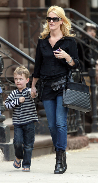 Alex McCord And Family Out For A Walk In New York