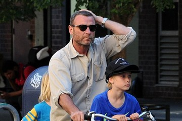 Alexander Schreiber Liev Schreiber Goes For A Bike Ride With His Sons In NYC
