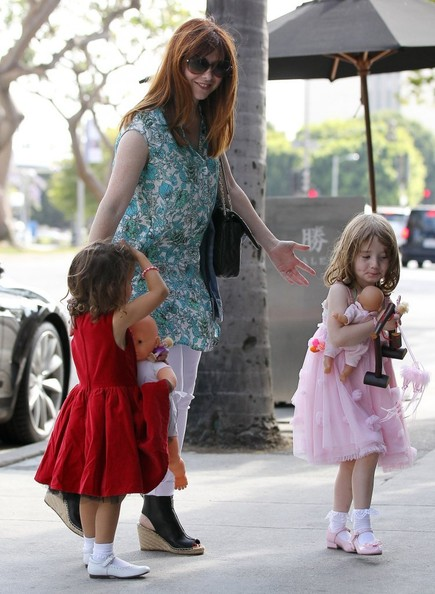 alyson hannigan photos photos alyson hannigan takes her