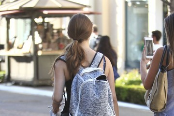 Amanda Cerny Amanda Cerny And Friends Go Shopping At The Grove
