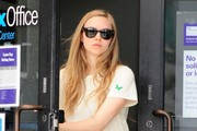 Amanda Seyfried Stopping By A FedEx Shipping Center