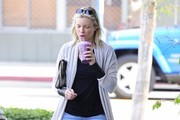 Amy Smart Stops For A Juice In West Hollywood