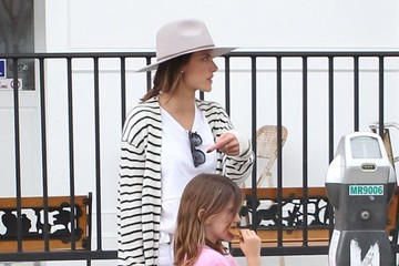 Anja Ambrosio Mazur Lily Aldridge and Alessandra Ambrosio Meet Up for Lunch with Their Kids