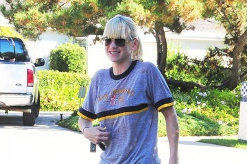 Anna Faris Anna Faris Out and About with Her Son