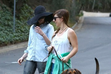 Anne Hathaway Anne Hathaway Takes a Walk with Friends