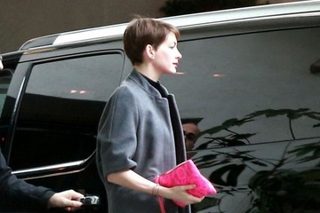 Anne Hathaway Anne Hathaway At The Chateau Marmont