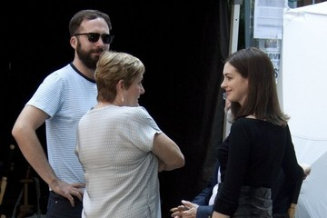 Anne Hathaway Anne Hathaway On The Set Of 'The Intern'