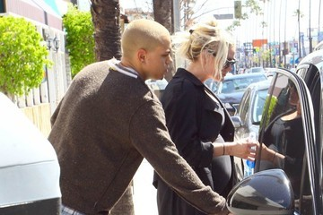 Ashlee Simpson Pregnant Ashlee Simpson and Evan Ross Work Out