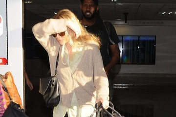 Ashley Olsen Mary-Kate and Ashley Olsen Land at LAX