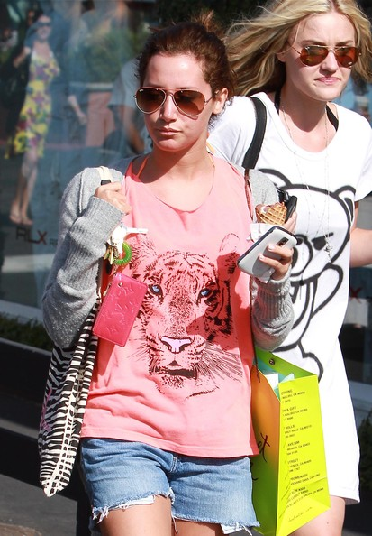 Actresses Ashley Tisdale, Alyson Michalka and Amanda Michalka out shopping at Planet Blue and getting some ice cream in Malibu, CA.