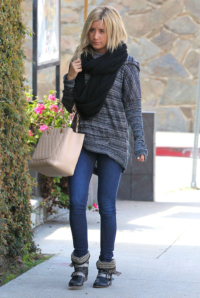 Ashley Tisdale - Ashley Tisdale Heading To A Recording Studio