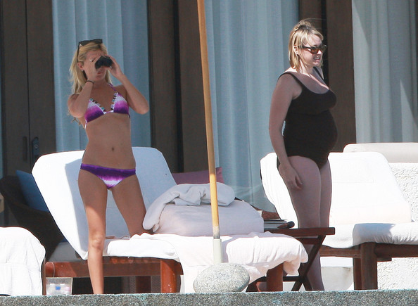 Actress Ashley Tisdale shows off her bikini bod while vacationing in sunny Cabo.