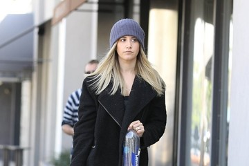 Ashley Tisdale Ashley Tisdale Hits the Gym