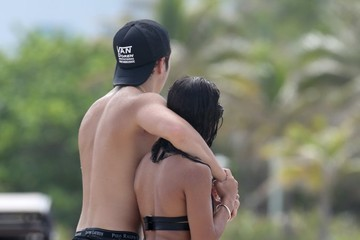 Austin Mahone Austin Mahone Spends Time With His Girlfriend