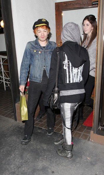 Avril Lavigne And Deryck Whibley Leaving Madeo []