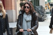Bethenny Frankel Takes Her Daughter For A Walk