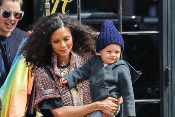 Booker Parker Thandie Newton Catches a Cab in NYC