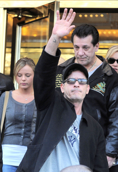 Charlie Sheen Leaves His NYC Hotel