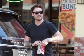 Brian Austin Green Brian Austin Green Stops To Get Drinks For Megan Fox