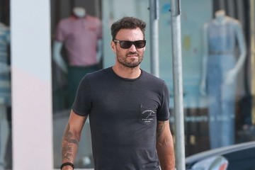 Brian Austin Green Brian Austin Green Stops To Grab Some Coffees