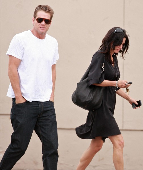 who is courteney cox dating 2014 Courteney bass cox (born june 15, 1964) is an american actress, producer, and  director  cox began dating snow patrol band member johnny mcdaid in late  2013 the couple announced their engagement on twitter on june 26, 2014.